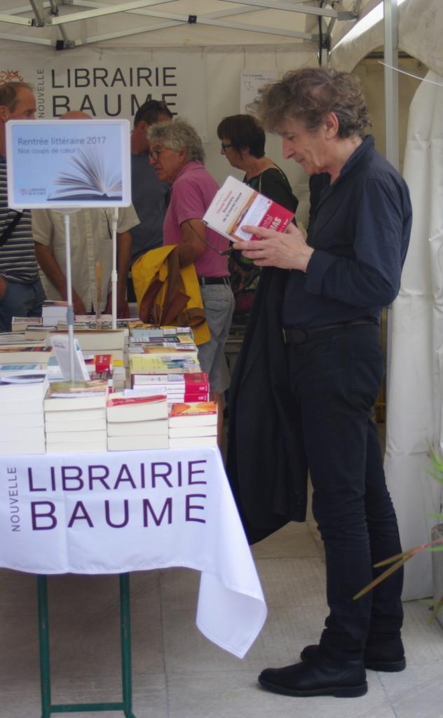 H. Haddad à La Nouvelle Librairie Baume sur le Village des Cafés © D.R.