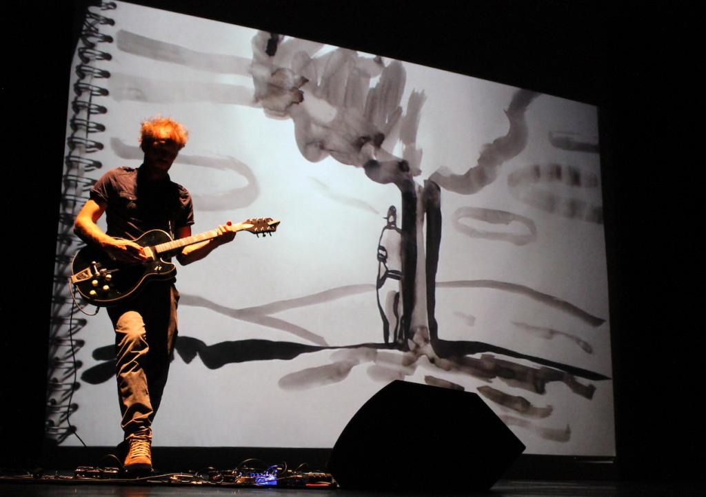 """""""On les aura ! Carnet de guerre d'un poilu"""". Lecture musicale et dessinée avec Barroux et J. Joubert © D.R."""