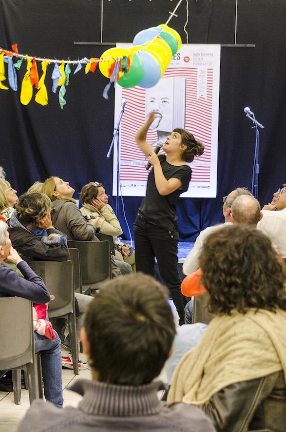 Poésie Performance - Louise Vanardois au Salon d'Honneur