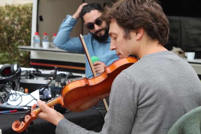 Village des Cafés - Plateau Radio M avec Hubert Haddad, Sylvain Prudhomme et Vincent Bader (violoniste)