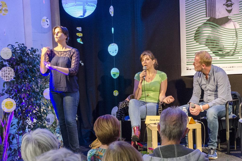 Carole Martinez avec Yann Nicol; traduction en Langue des Signes.